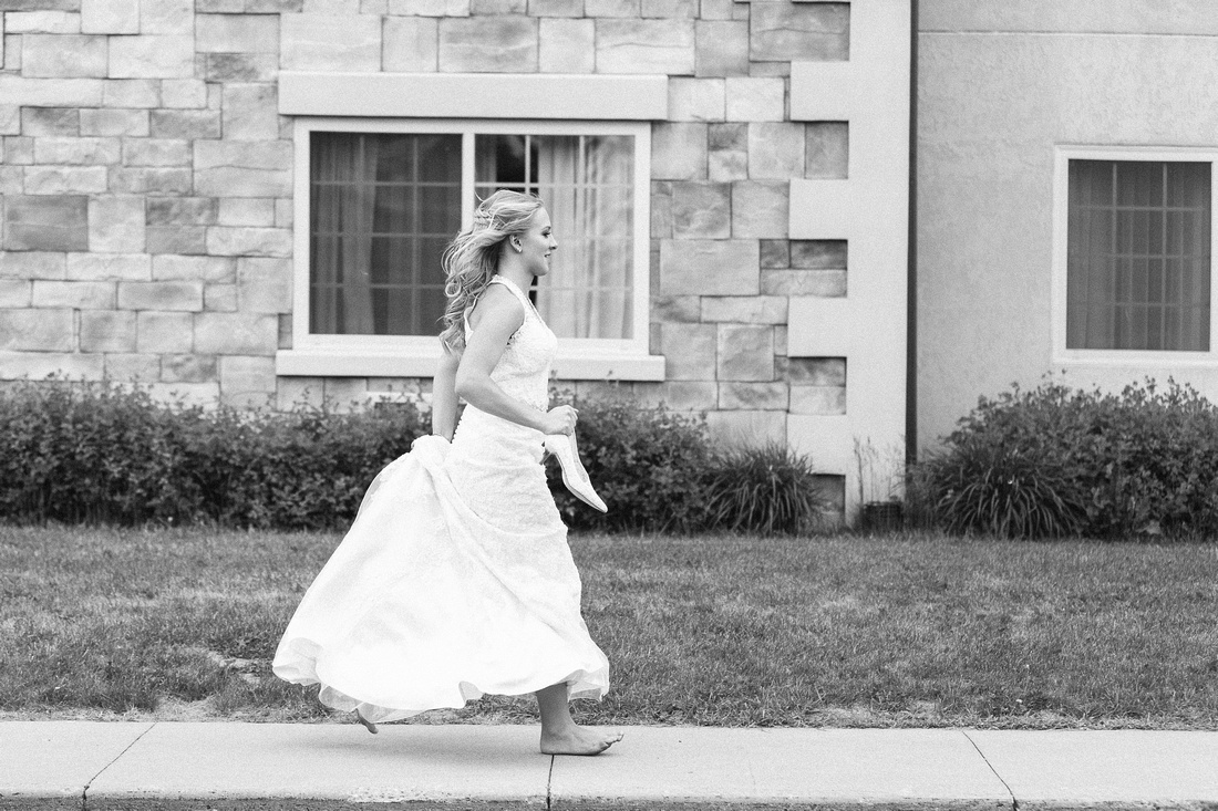 details and moments from a wedding at Waupaca Ale House in Waupaca, WI